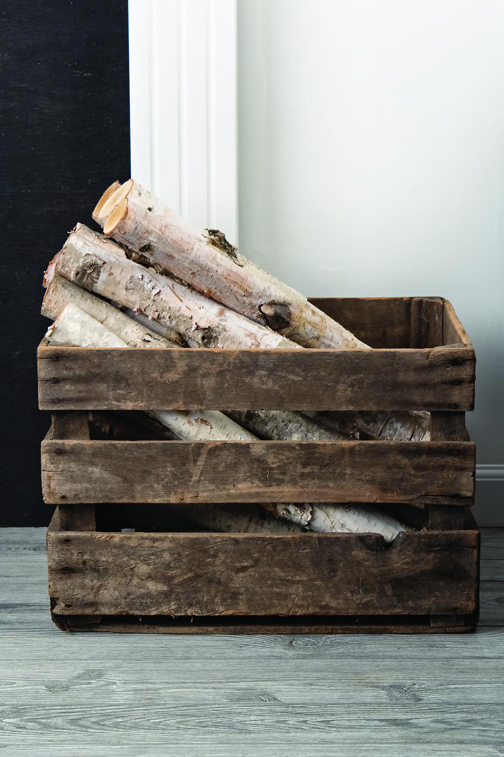 subtle-fall-decor-birch-wood